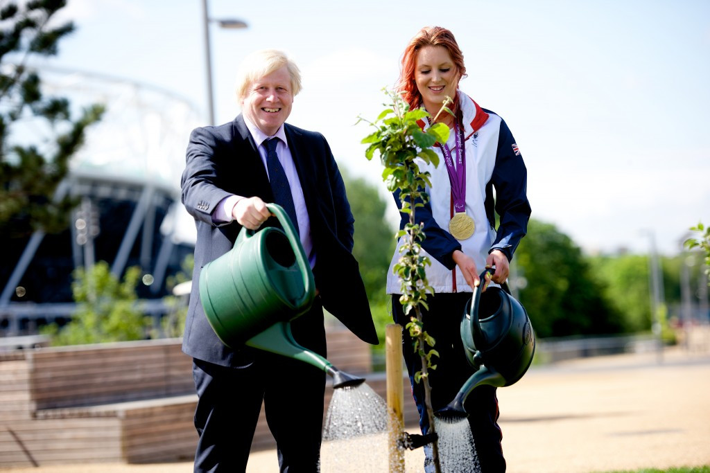 London Mayor Boris Johnson (left) with Paralympic swimmer Jessica-Jane Applegate (right) at the planting of the final tree ©london.gov.uk