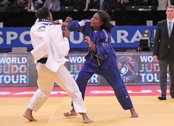 Madeleine Malonga was too strong for compatriot Audrey Tcheumeo in the third all-French final in as many days ©IJF