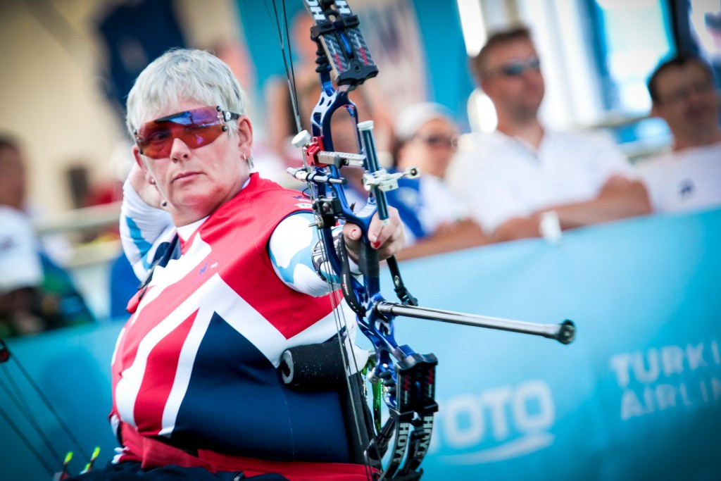 Jo Frith defeated her team-mate Jessica Stretton to claim women's W1 gold ©Getty Images