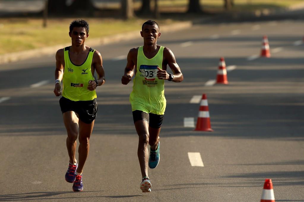 Marcio Barreto da Silva (right) claimed a comfortable victory in the Rio 2016 marathon test event ©Getty Images