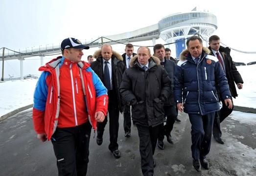 Russian President Vladimir Putin has visited the artificial ice track in Paramonovo ©Kremlin