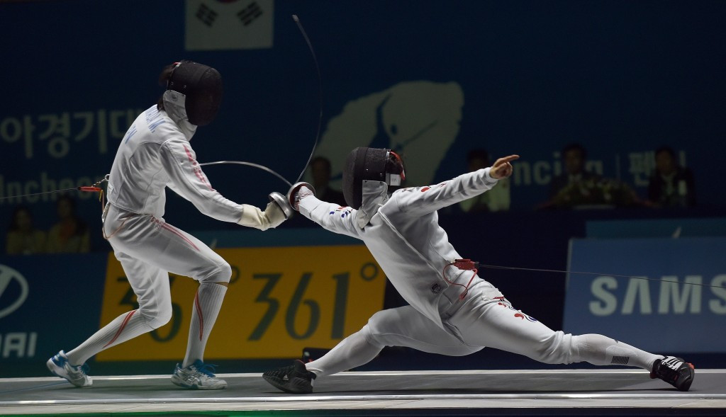 Park Kyoung-doo overcame fellow South Korean Park Sang-young in the men's individual épée final ©Getty Images