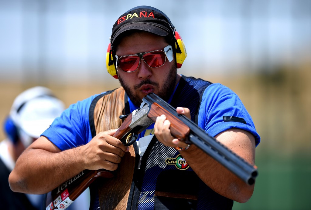 Alberto Fernandez shares the lead at the ISSF World Cup in Rio ©Getty Images