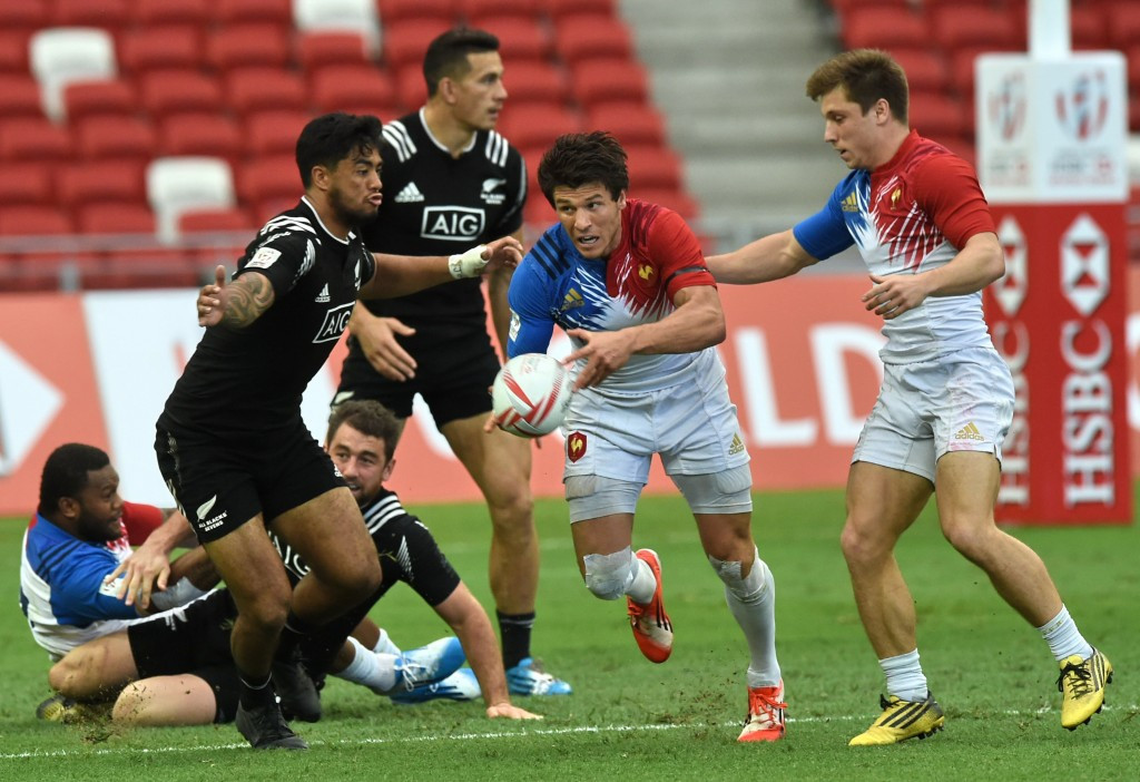 France beat New Zealand on way to last eight at Singapore Sevens