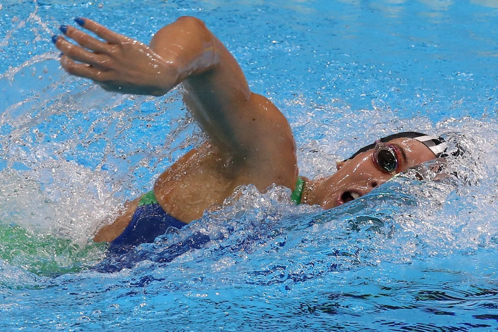 Manuella Lyrio set a national record but narrowly missed out on achieving a guaranteed Rio 2016 spot in the women's 400m freestyle