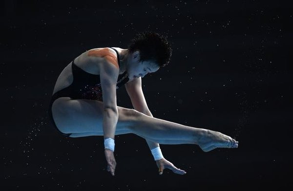 Fifteen-year-old Chinese star claims superb victory at FINA Diving World Series