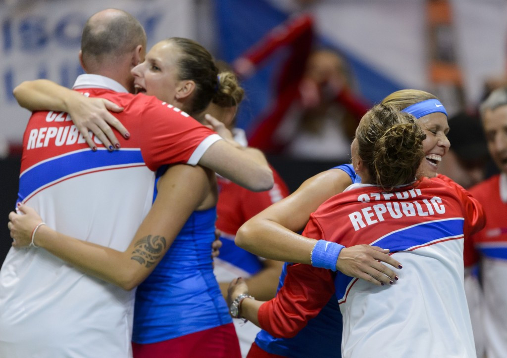 Defending champions Czech Republic to play France in Fed Cup final