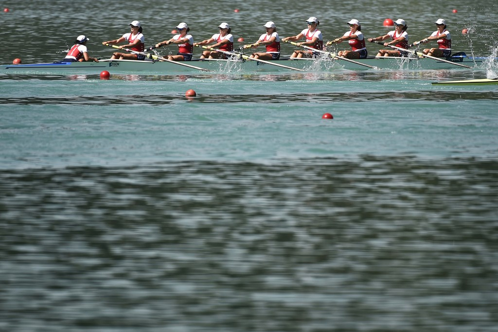 Dutch men's and women's eights claim gold at World Rowing Cup series in Varese