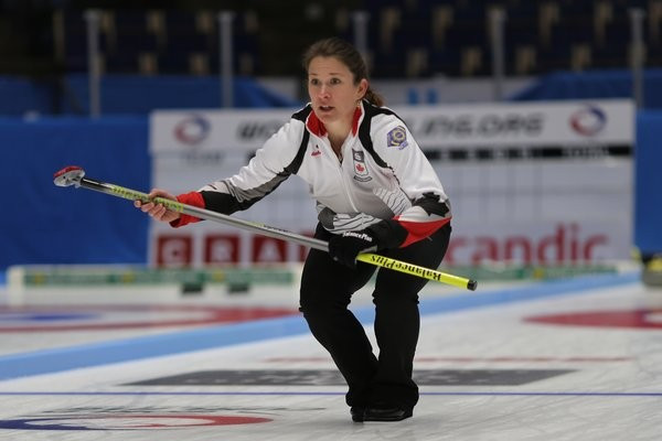 Unbeaten Canada inflict first defeat on China at World Mixed Doubles Curling Championship
