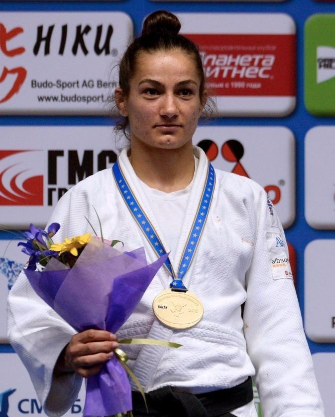Kosovo's Majlinda Kelmendi beat France's Priscilla Gneto to regain her women's under 52 kilograms title at the European Judo Championships in Kazan today ©Getty Images