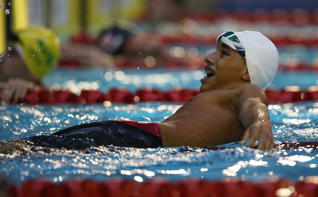 Colombian sensation breaks own breaststroke world record at Rio 2016 Paralympic test event