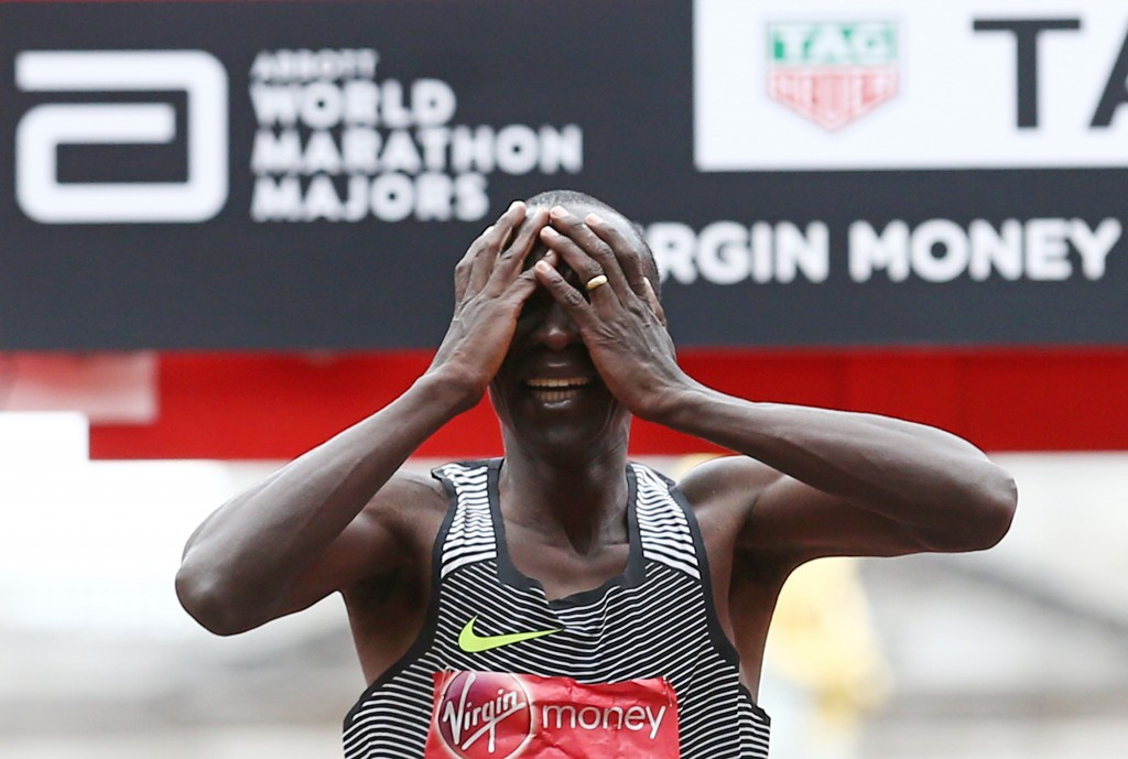 Eliud Kipchoge crosses the line to win the London Marathon ©Getty Images