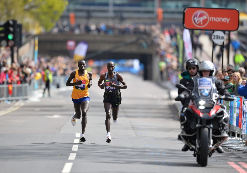 Eliud Kipchoge, right, and Stanley Biwott broke clear soon after halfway ©Getty Images