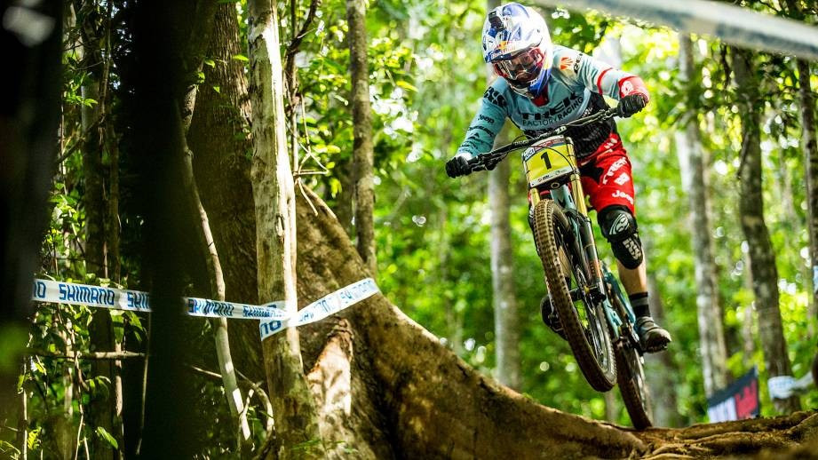 Atherton maintains downhill dominance with victory at UCI Mountain Bike World Cup