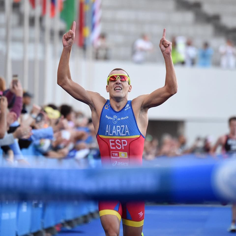Alarza claims maiden ITU World Triathlon Series victory in Cape Town
