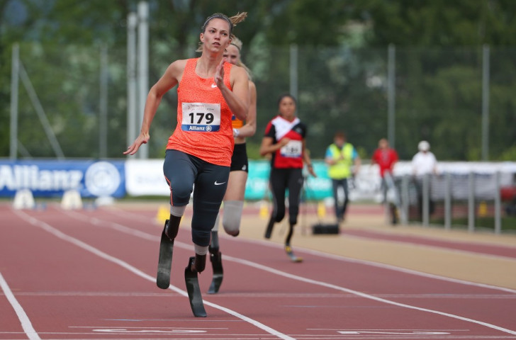 The Netherlands' Marlou van Rhijn took 0.33 seconds off her previous best time in the T43 200m