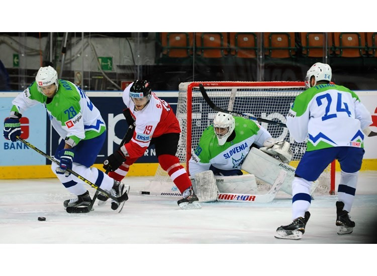 Slovenia battle past Austria to win IIHF World Championships Division1A