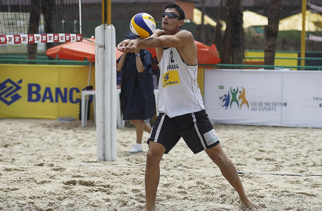 Andre Loyola plays a shot in Fortaleza