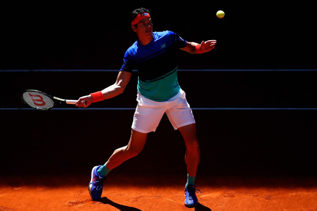 Raonic reaches Mutua Madrid Open second round after straight sets win