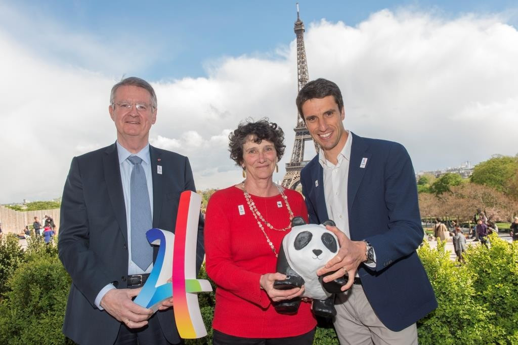 Paris 2024 co-chairmen Bernard Lapasset, left, and Tony Estanguet, right, with WWF France President Isabelle Autissier ©Paris 2024