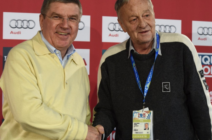 Thomas Bach (left), pictured with SportAccord senior vice-president Gian Franco Kasper, has already committed the IOC to helping take over services to Federations previously provided by SportAccord ©Getty Images