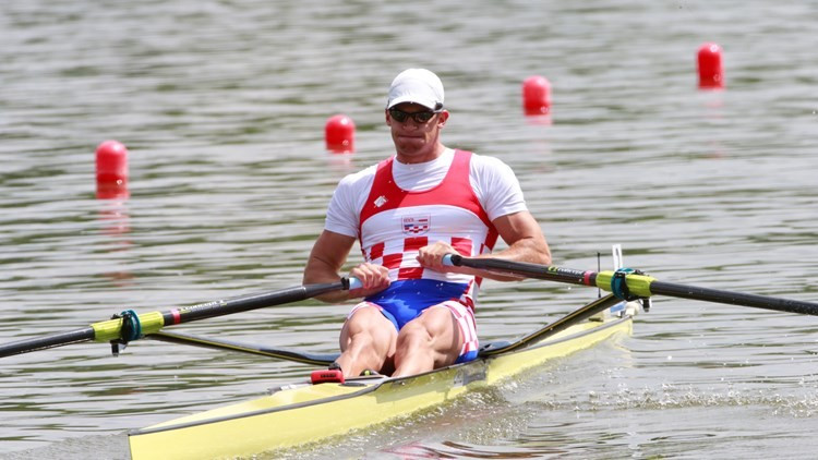Damir Martin claimed a second successive men's single sculls title ©Getty Images