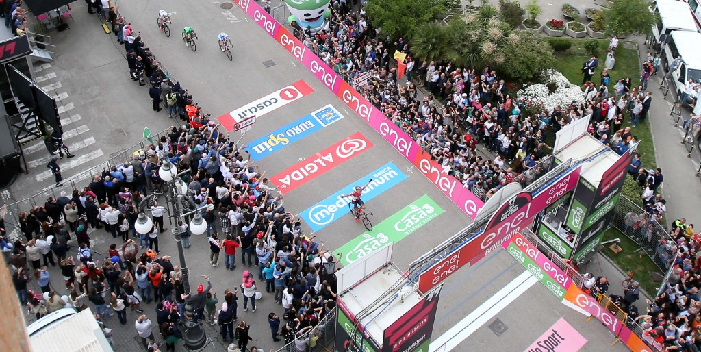 Greipel storms to stage five sprint win at Giro d'Italia