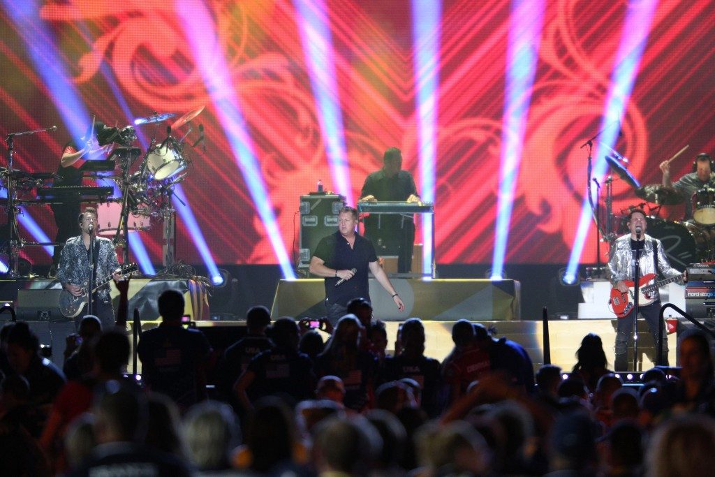 American country music group Rascal Flatts perform during the Closing Ceremony ©Getty Images