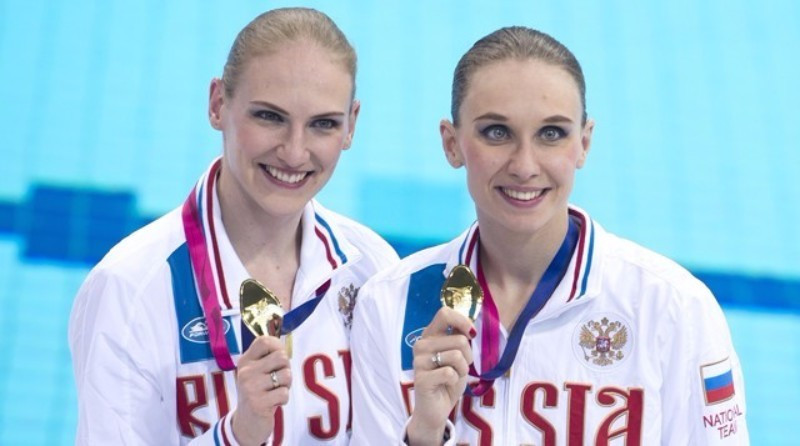 Natalia Ishchenko and Svetlana Romashina claimed Russian gold on the final day of synchronised swimming action ©Getty Images