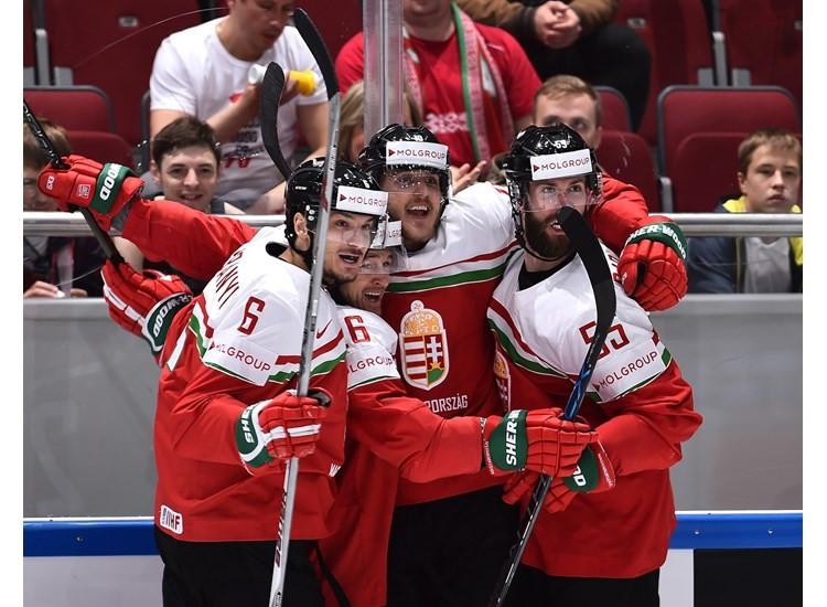 Hungary won their first IIHF World Championship match for 77 years by beating Belarus ©IIHF