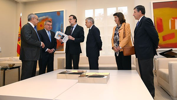 """Thomas Bach paid tribute to the """"man who forged the Olympic Movement"""" during his meeting with Mariano Rajoy ©IOC"""