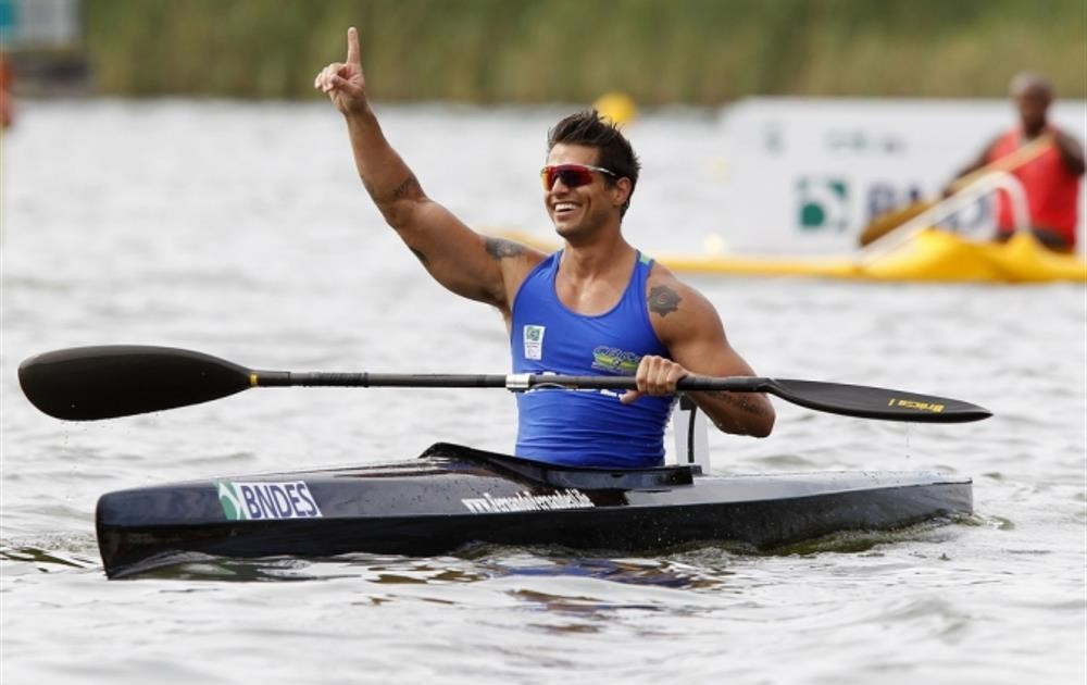 Four-time world champion Fernando Fernandes, pictured celebrating victory at the South American Paracanoe Championship, failed to directly qualify for the final ©CPB
