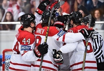 Canada breeze through to IIHF World Championship semi-finals with crushing win over Sweden