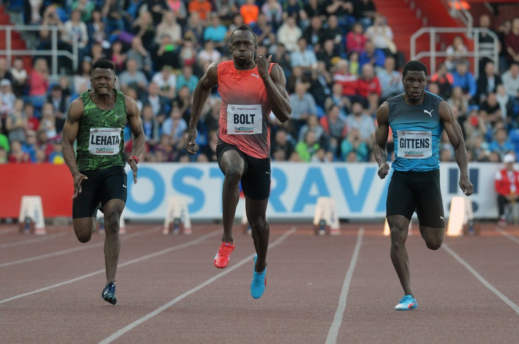 "Bolt clocks 9.98 in Ostrava but ""showdown"" with Eaton frustrated as decathlete suffers injury"
