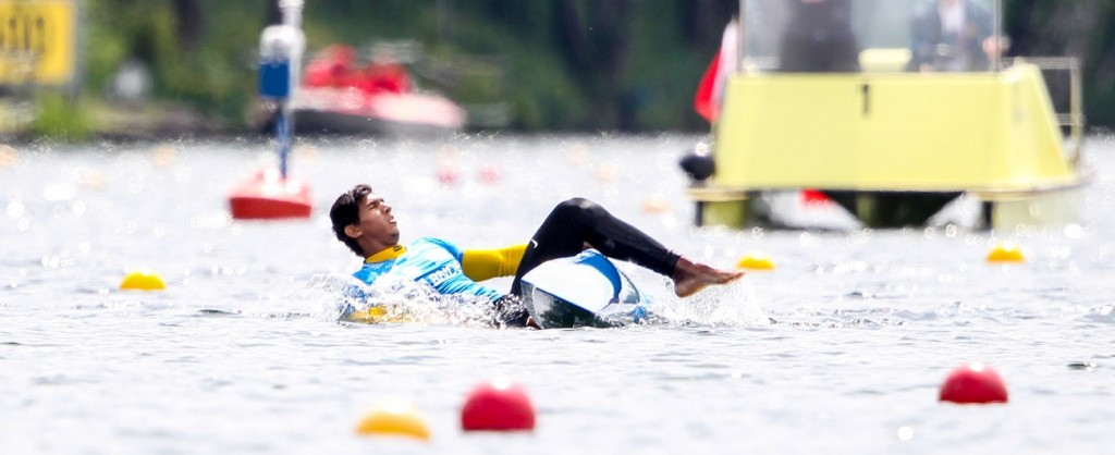 Brendel continues unbeaten streak as Brazilian rival falls in water at ICF Canoe Sprint World Cup