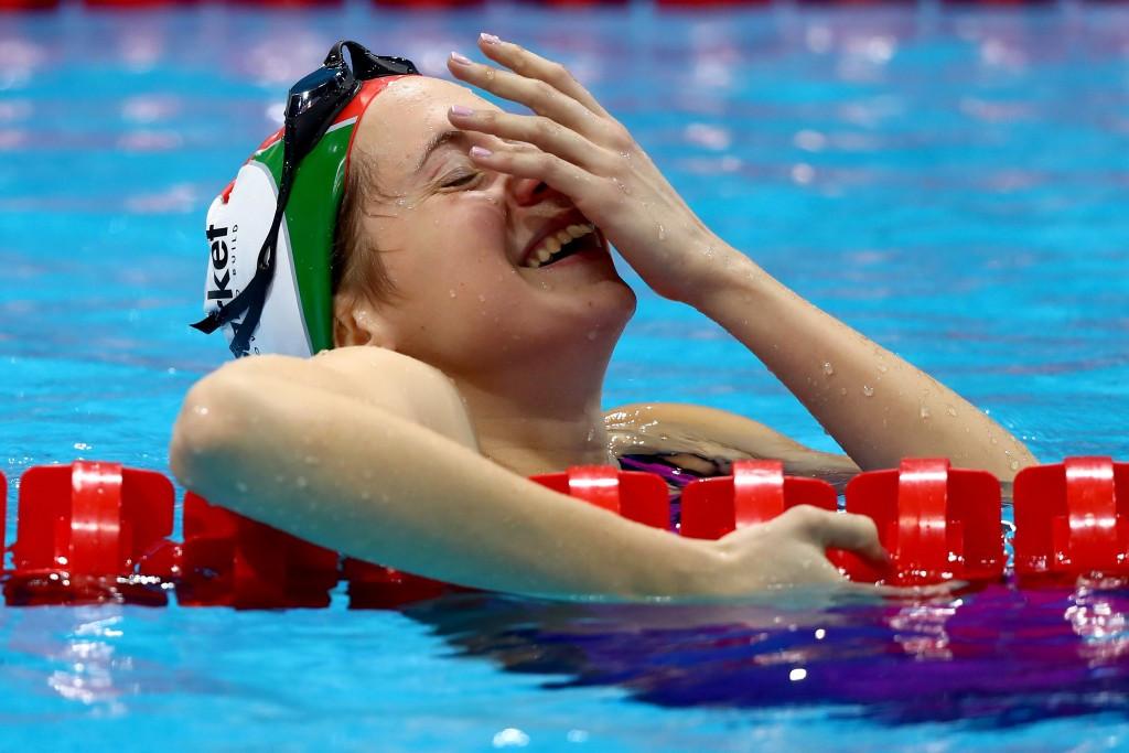 Boglarka Kapas of Hungary celebrates taking 400m freestyle gold ©Getty Images