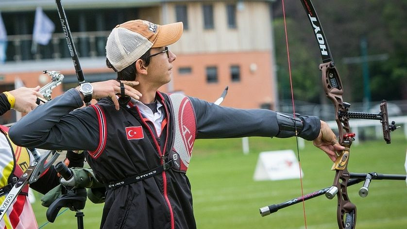 Top seeds reach men's recurve final at European Archery Championships