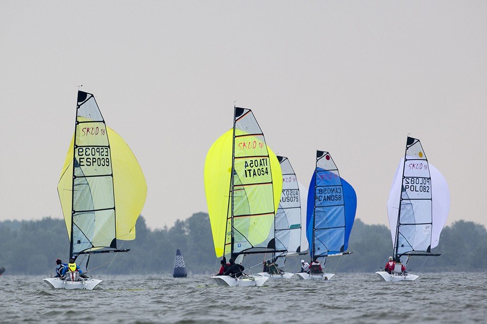 Poles keep hold of SKUD18 lead at Para World Sailing Championships