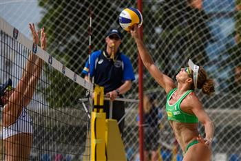 Defending women's champions move into FIVB Moscow Grand Slam last eight