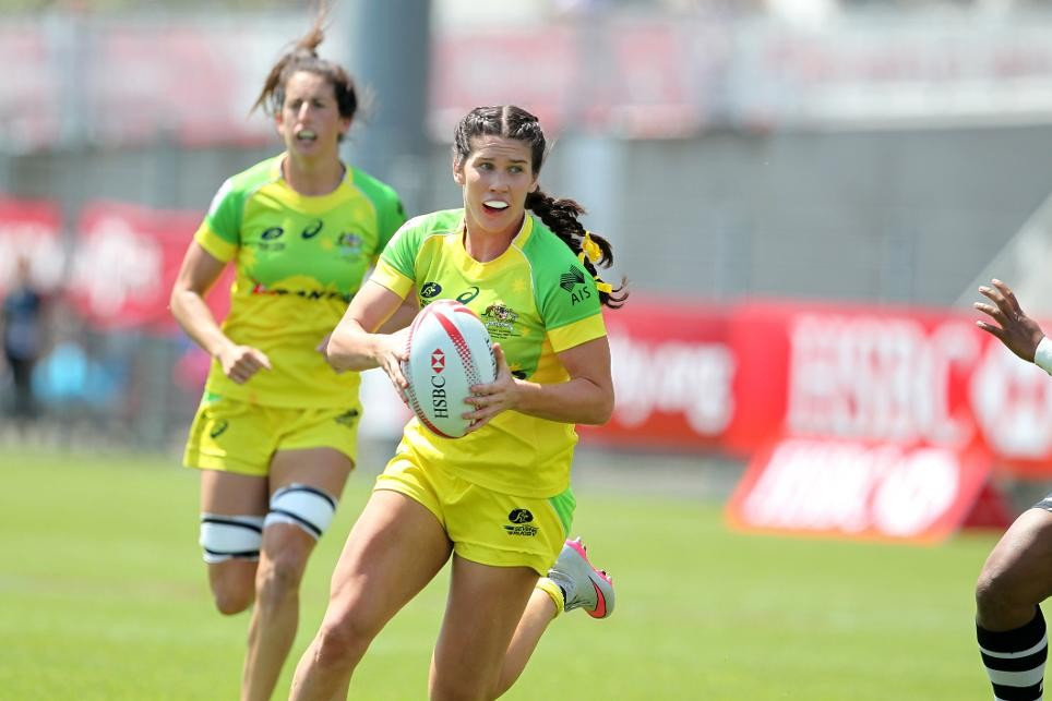 Australia edge closer to overall World Rugby Women's Sevens Series crown with three victories in Clermont-Ferrand
