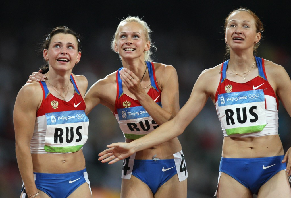 Russia already stand to lose their 4x100m relay title at Beijing 2008 after Yuliya Chermoshanskaya (right) was implicated in the retested samples from the Chinese Games ©Getty Images