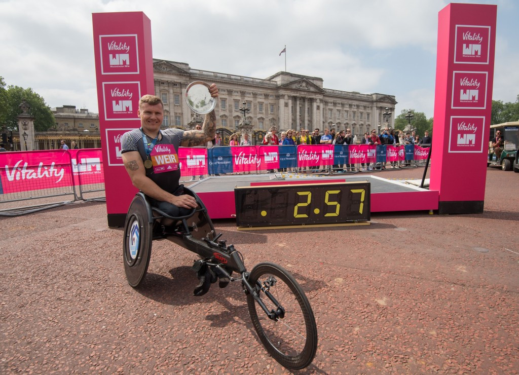 Wheelchair racer Weir breaks three minute mile barrier