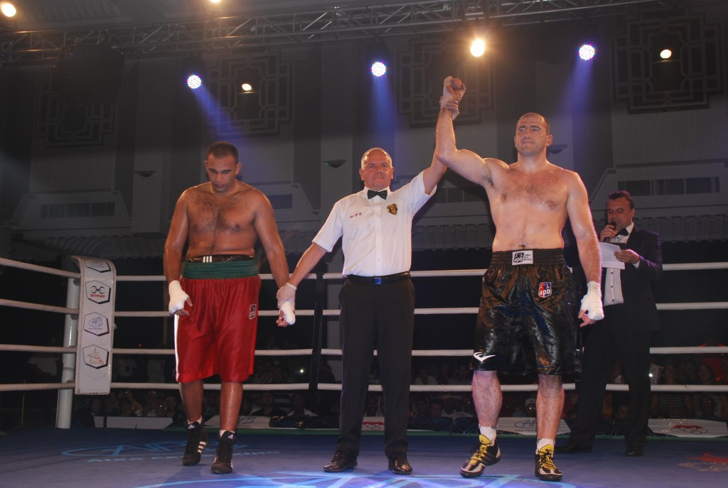 Azerbaijan's Medzhidov claims AIBA Pro Boxing Cycle I Round 1 victory at expense of home favourite