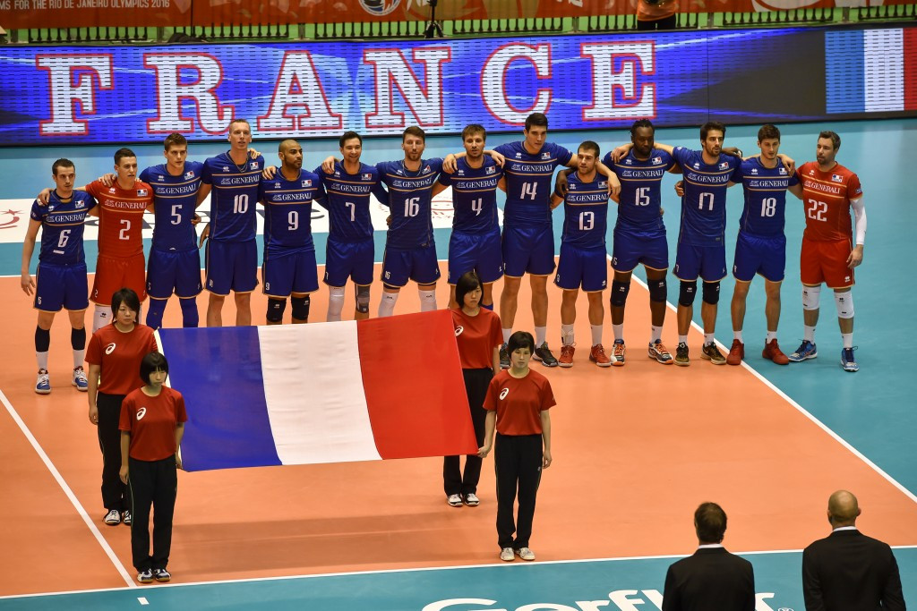 European champions France beat previous leaders Iran in straight sets