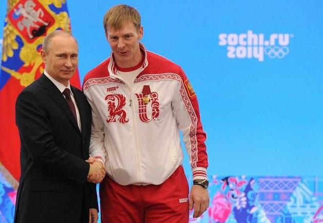 Alexander Zubkov, pictured here with Vladimir Putin, has been appointed the new President of the Russian Bobsleigh Federation ©Kremlin