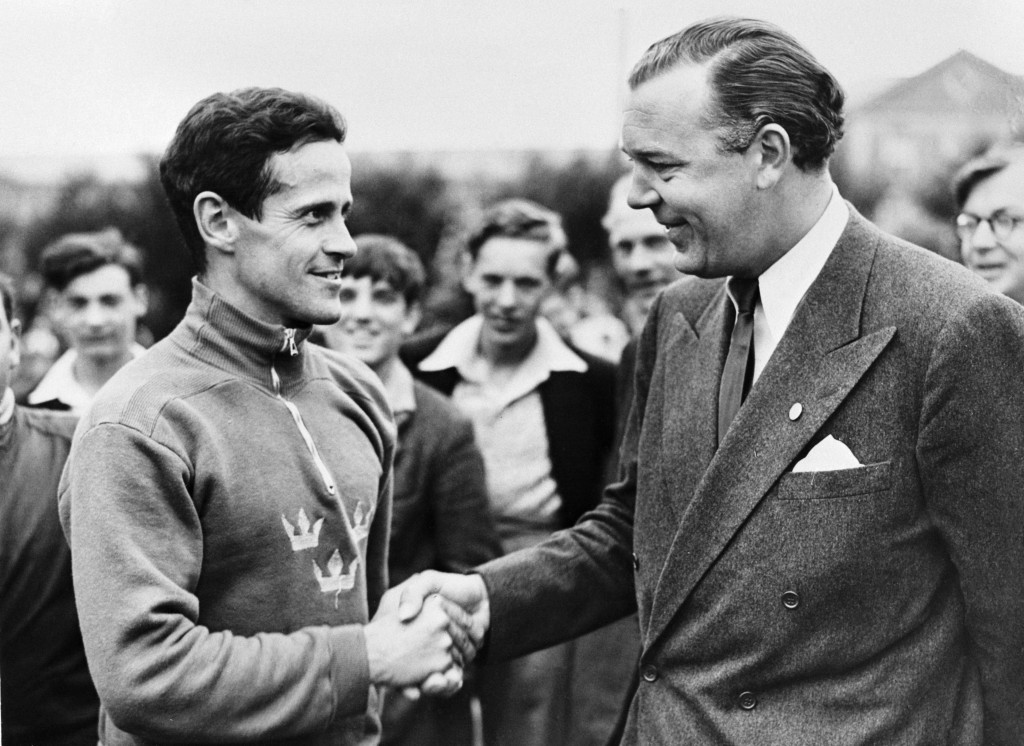 Prince Bertil (right) became President of the Organising Committee