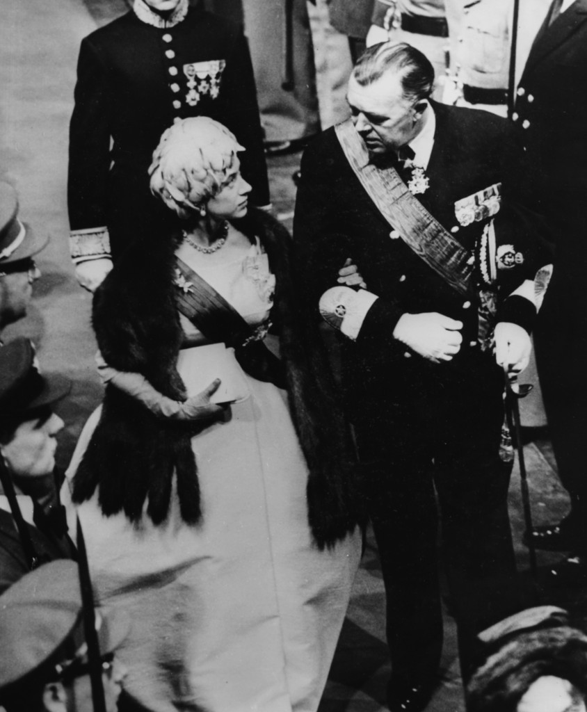 The Queen and her sister Princess Margaret, pictured here with Prince Bertil, made what was described as an informal visit to the course at Faboda
