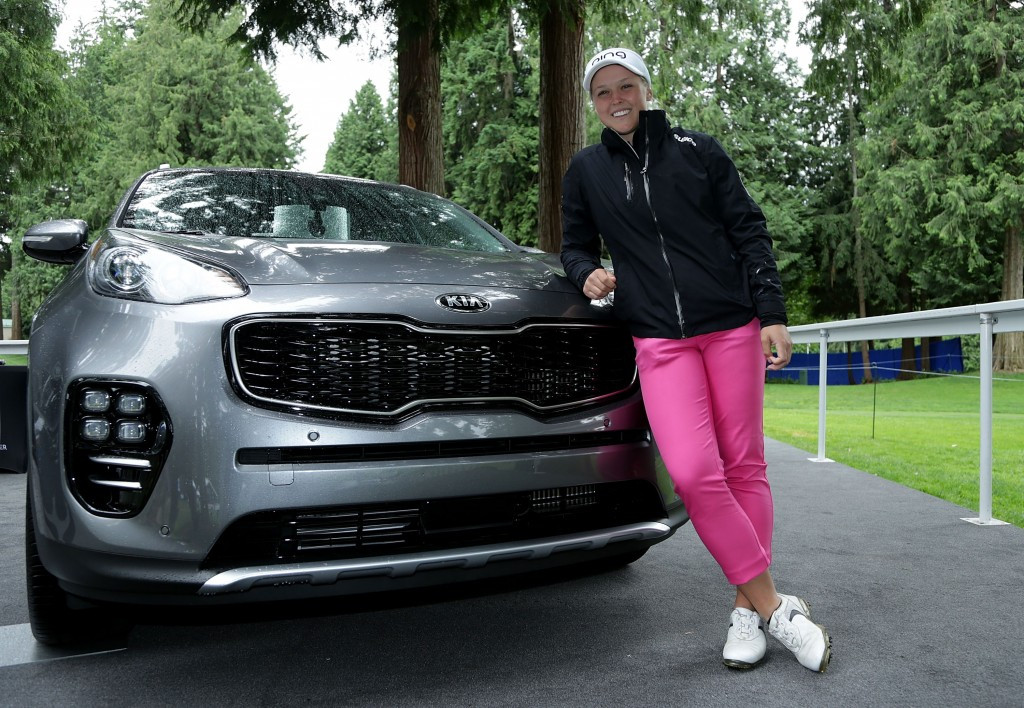 Brooke Henderson won a Kia K900 after her hole-in-one