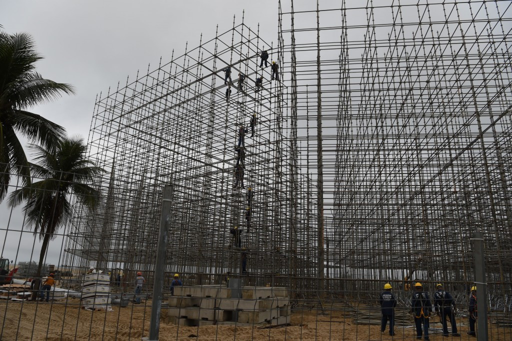Construction temporarily suspended at Rio 2016 beach volleyball venue