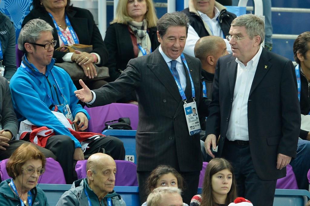 Ottavio Cinquanta (centre, alongside IOC President Thomas Bach, right) is no longer a member of the IOC ©Getty Images